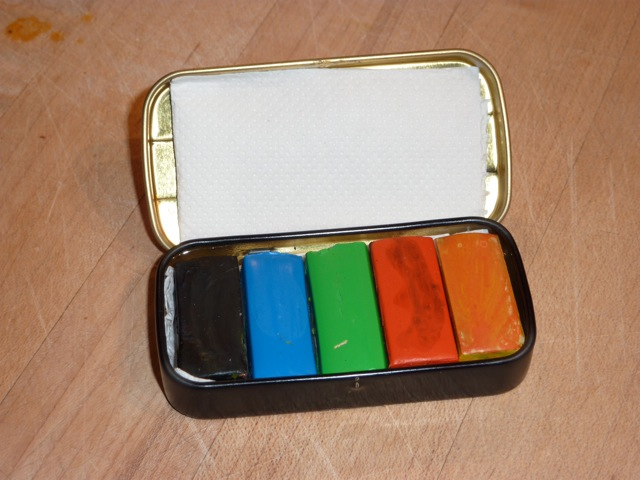 The smallest watercolour set in the world? (2/2)